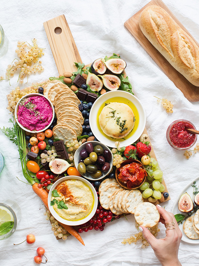 How to create an epic vegan cheese platter with 3 spread recipes let me know if you whip up your own summer platter would love to see what you create leave a comment or thehealthyhour on instagram solutioingenieria Images
